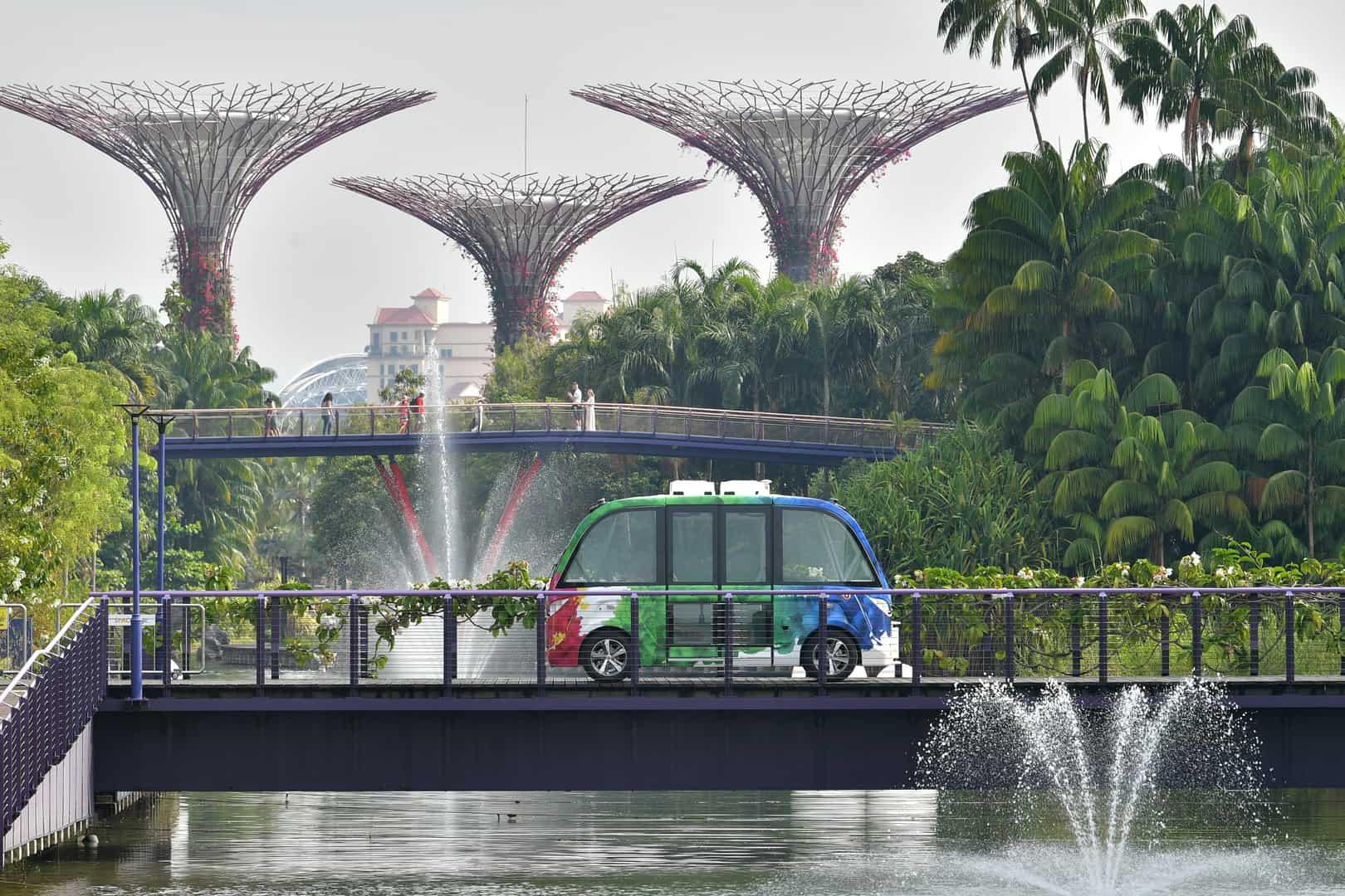 NAVYA AUTONOM SHUTTLE circulating on a bridge at Gardens By The Bay